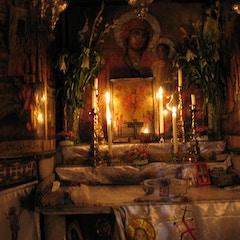 Coptic shrine at head of tomb (outside Edicule)_2111