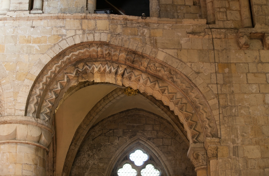 Selby Abbey: Crooked Norman Arch