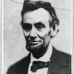 """Broken Glass Portrait"" of Abraham Lincoln"