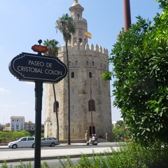 Torre del Oro (paseo de Colón)