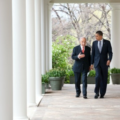 Presidents Obama and Peres in the Colonnade