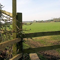 Footpath STAN13A/1 starting opposite St Denys Church